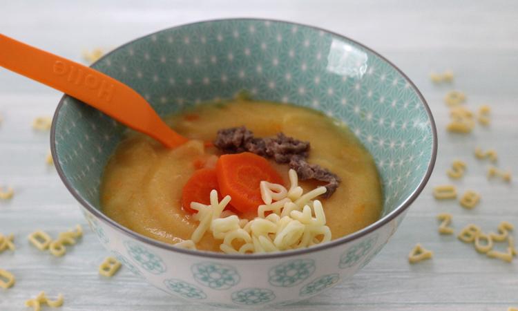 Mittagsbrei mit Karotten, Nudeln und Hackfleisch