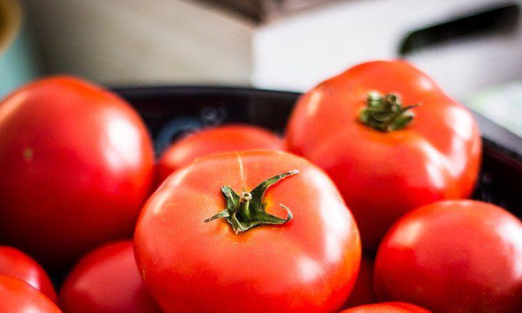 Babybrei mit Tomate