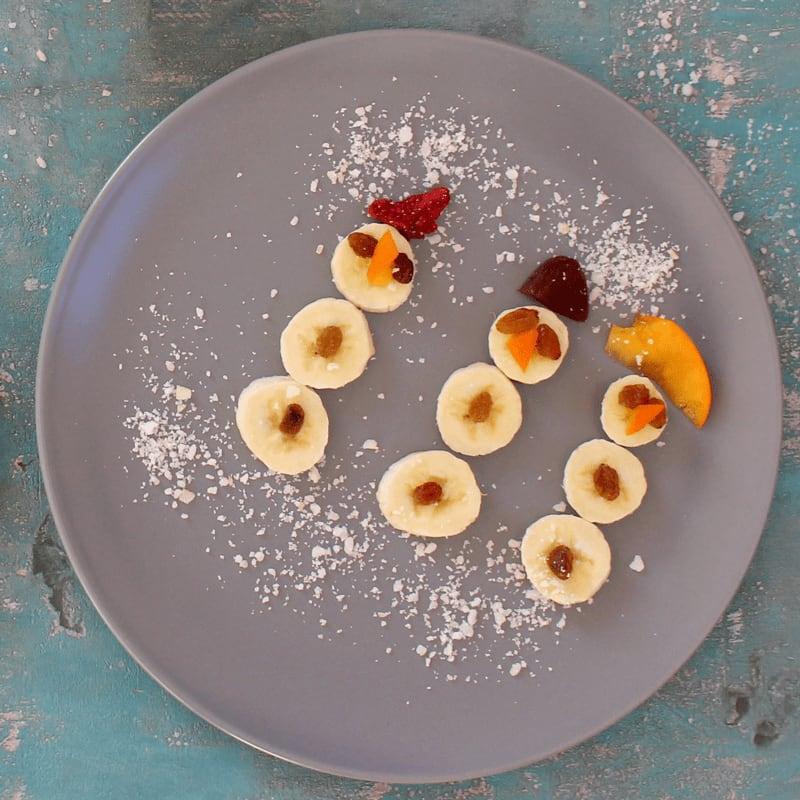 Schneemänner aus Obst für Babys und Kleinkinder